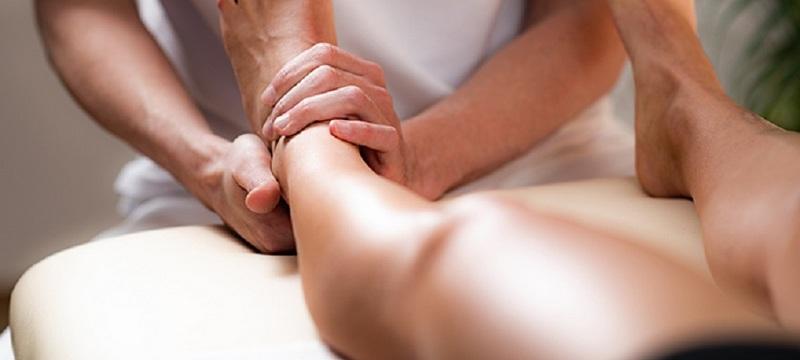 massagem_pernas_inchadas_2